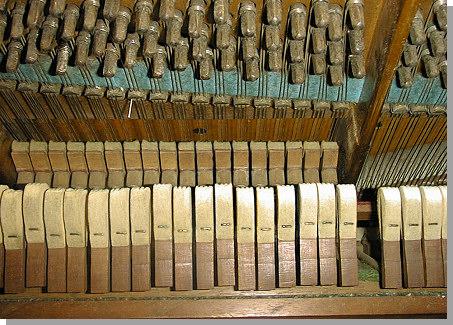bechstein-piano-3.jpg - 25576 Bytes